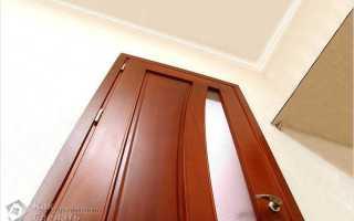 Перекосило дверь в деревянном доме: что делать в такой ситуации